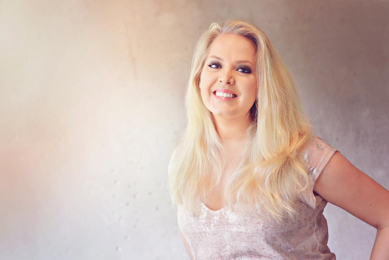 Elin Fagerberg makeup artist