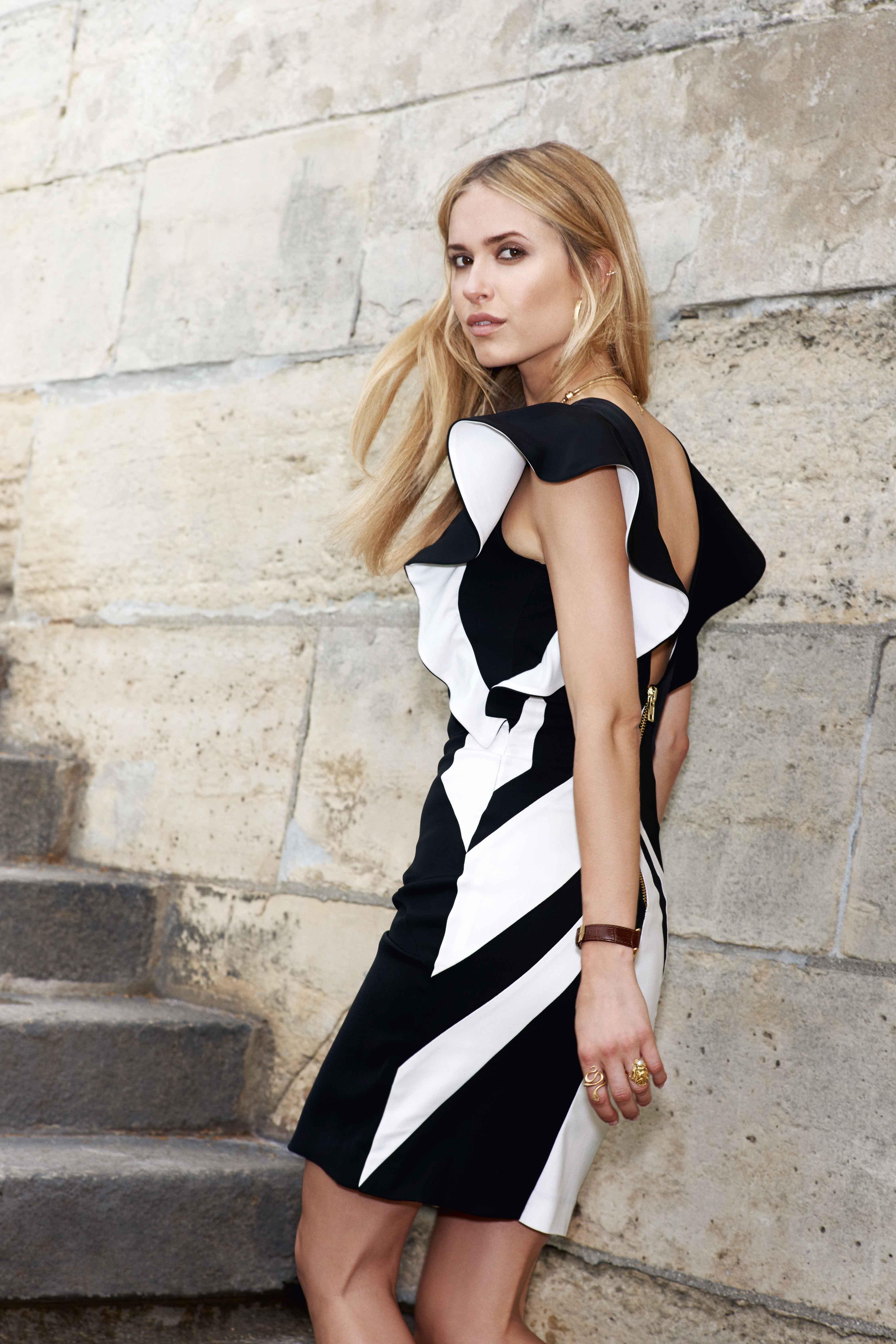 Klänning i svart och vitt