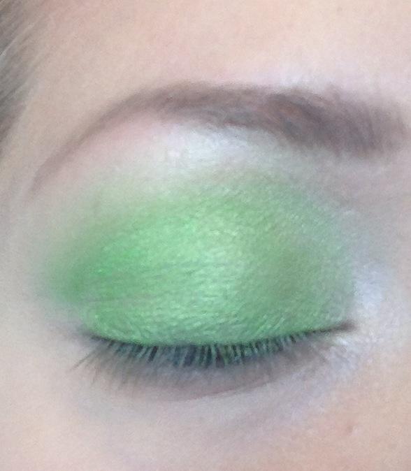 Limegrön ögonskugga skönhetsblogg elinfagerberg.se