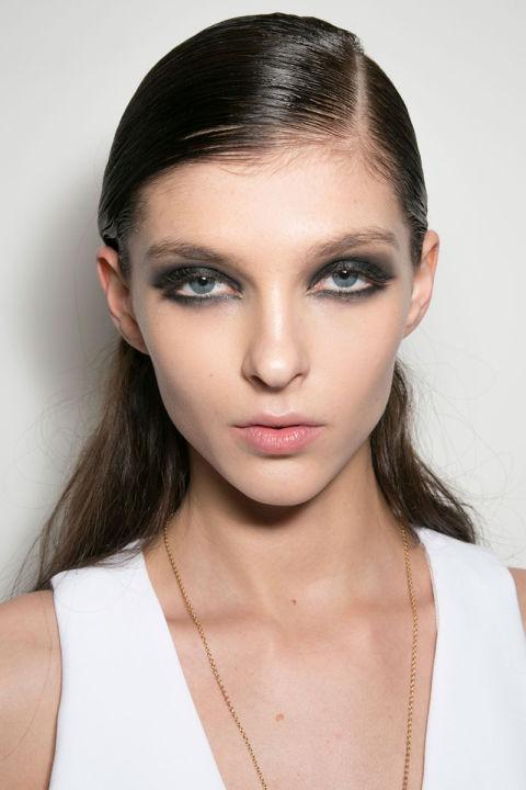 hbz-fw2015-trends-beauty-smoky-cushnie-et-ochs-bks-a-rf15-6213