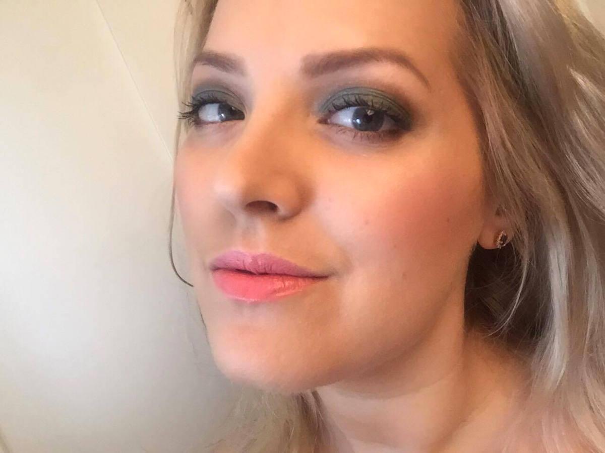 Estee Lauder Bronze Goddess Summer Glow stick Elin Fagerberg