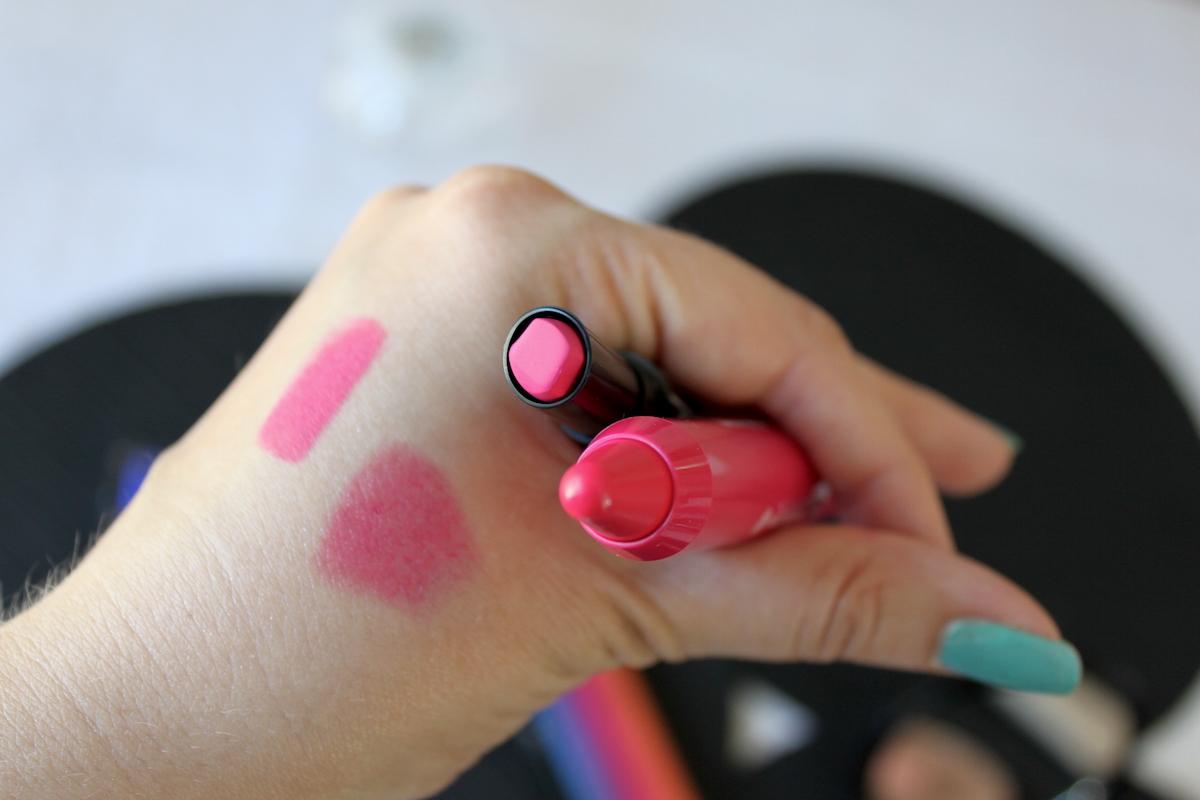 Färgglad sommarmakeup NYX Full Throttle Lipstick och Yves Rocher Radiant Lip Cryon