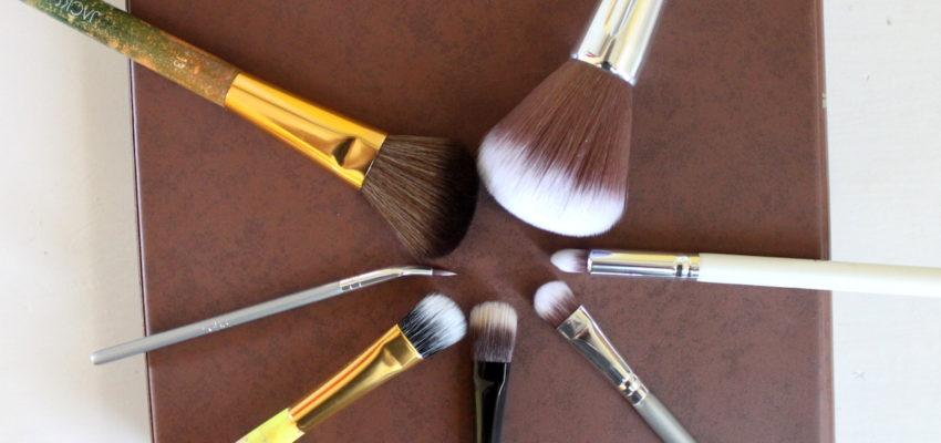 Penslar och borstar till makeup