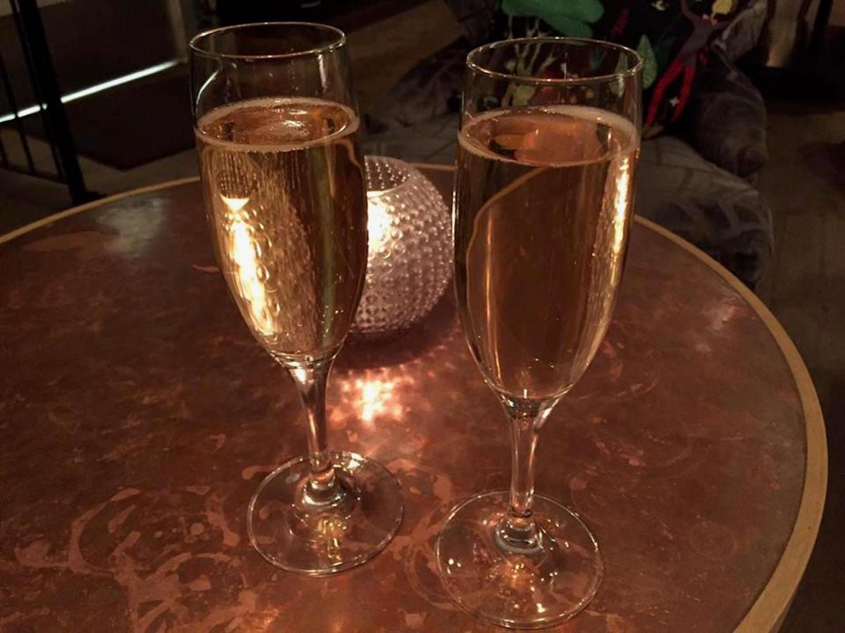 champagne-i-knappingeborg-norrkoping