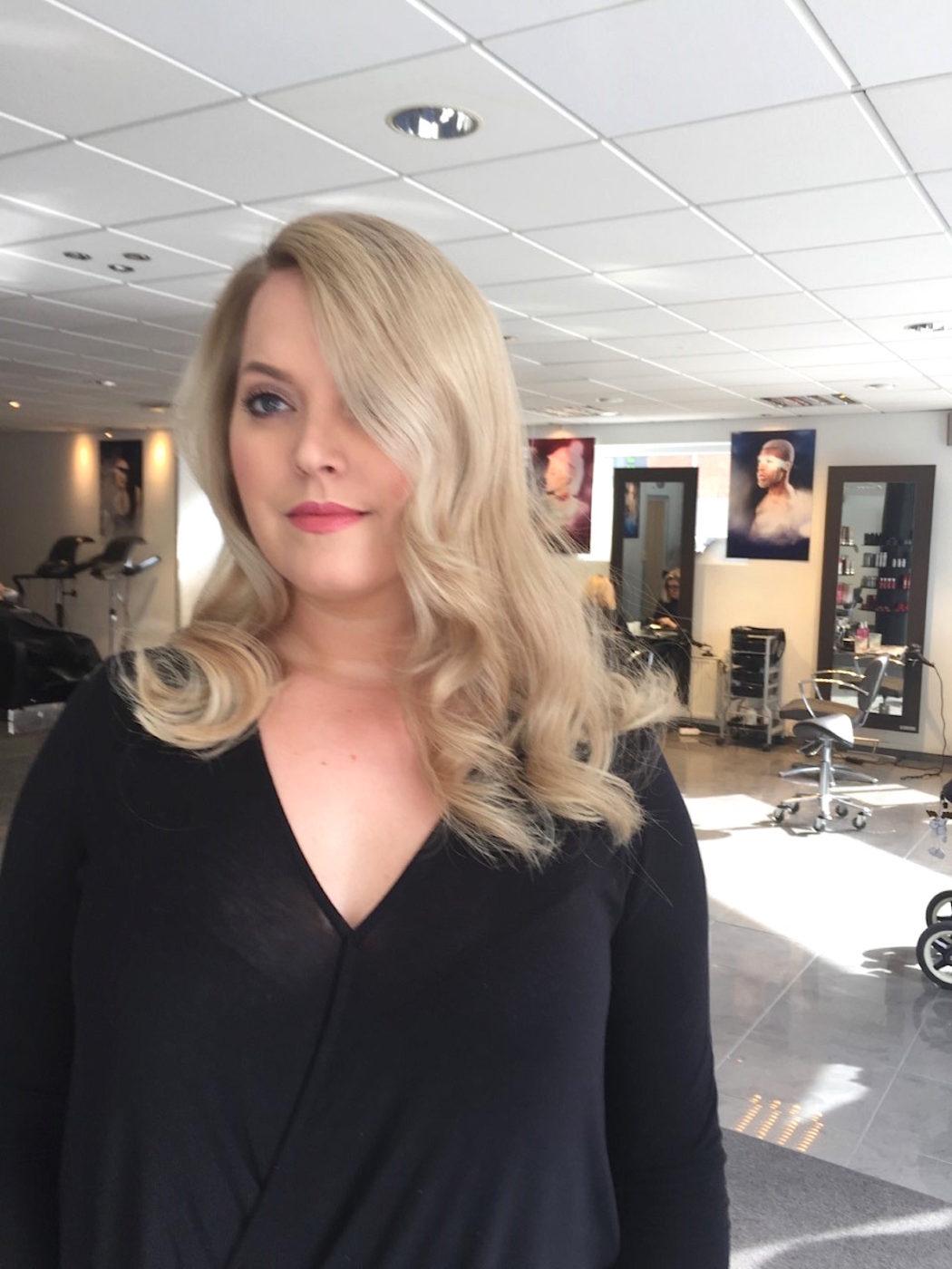 skonsam hårfärg blond