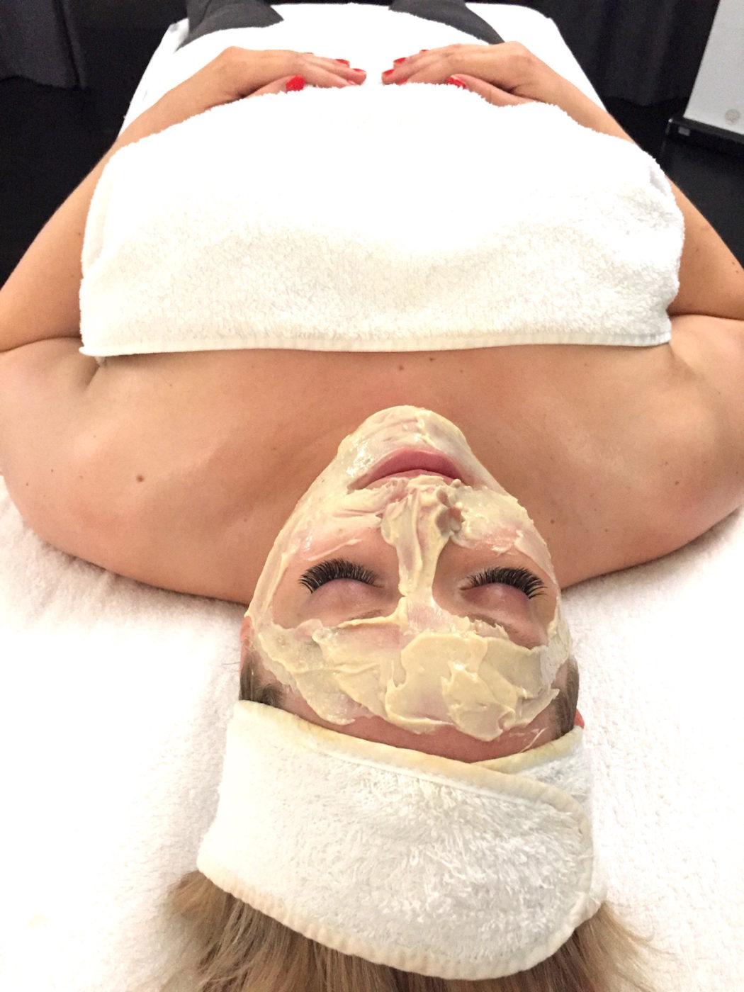 sommarfräsch med ansiktsbehandling av Medik8