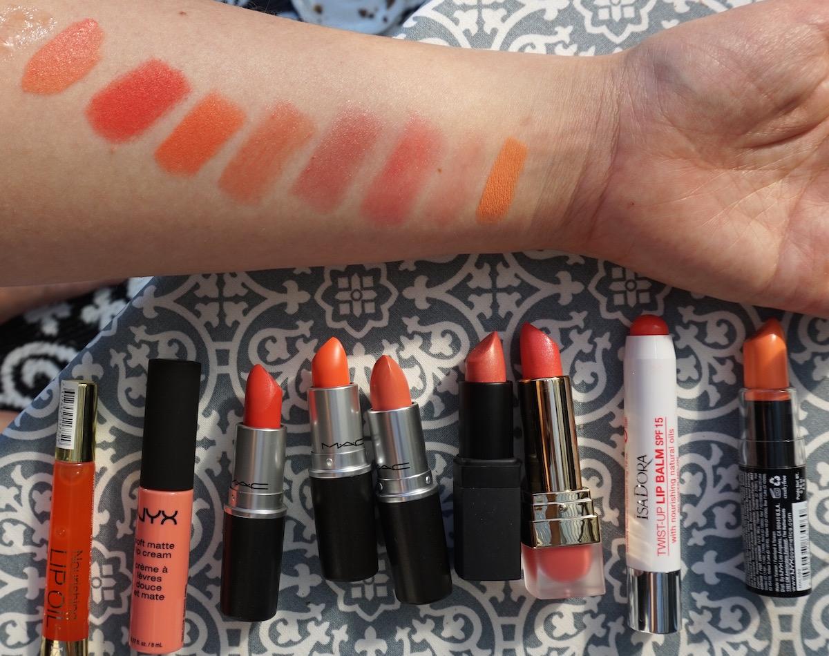 Orange och korallfärgat läppstift