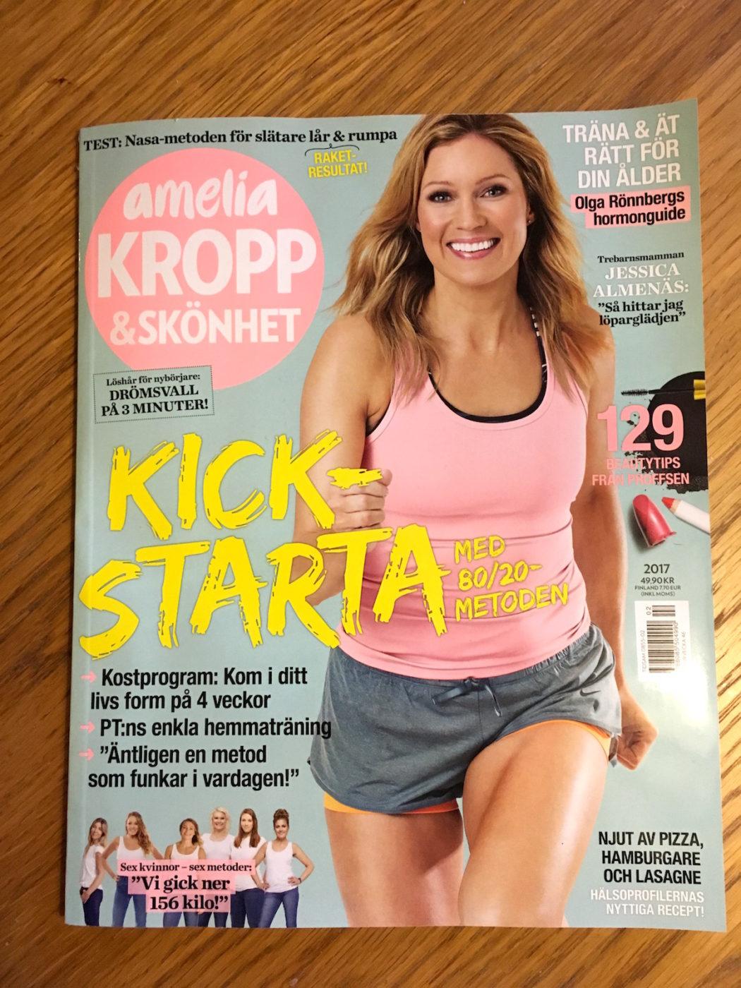 Skönhetsjournalist för de senaste numret av Amelia Kropp & Skönhet