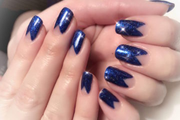 blått hår av blondering