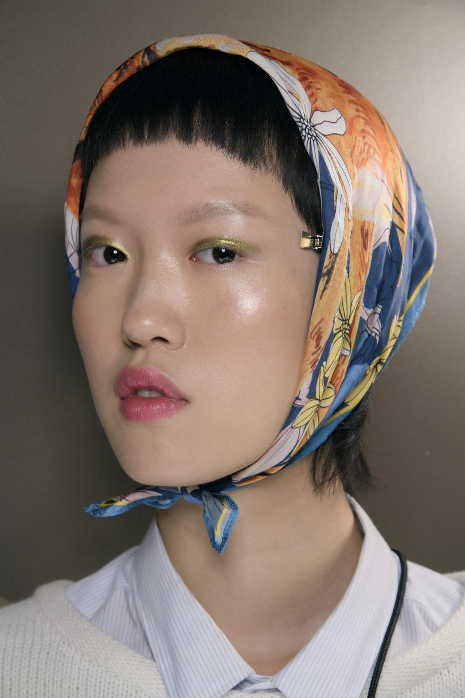 Kosmetikföretaget MAC har skapat en snygg look för Derek Lam som stämmer väl in för trender 2019