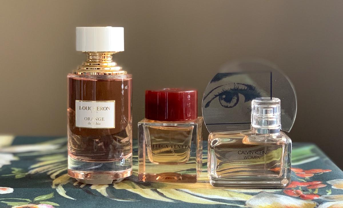Tre fina parfymer varav en gourmand