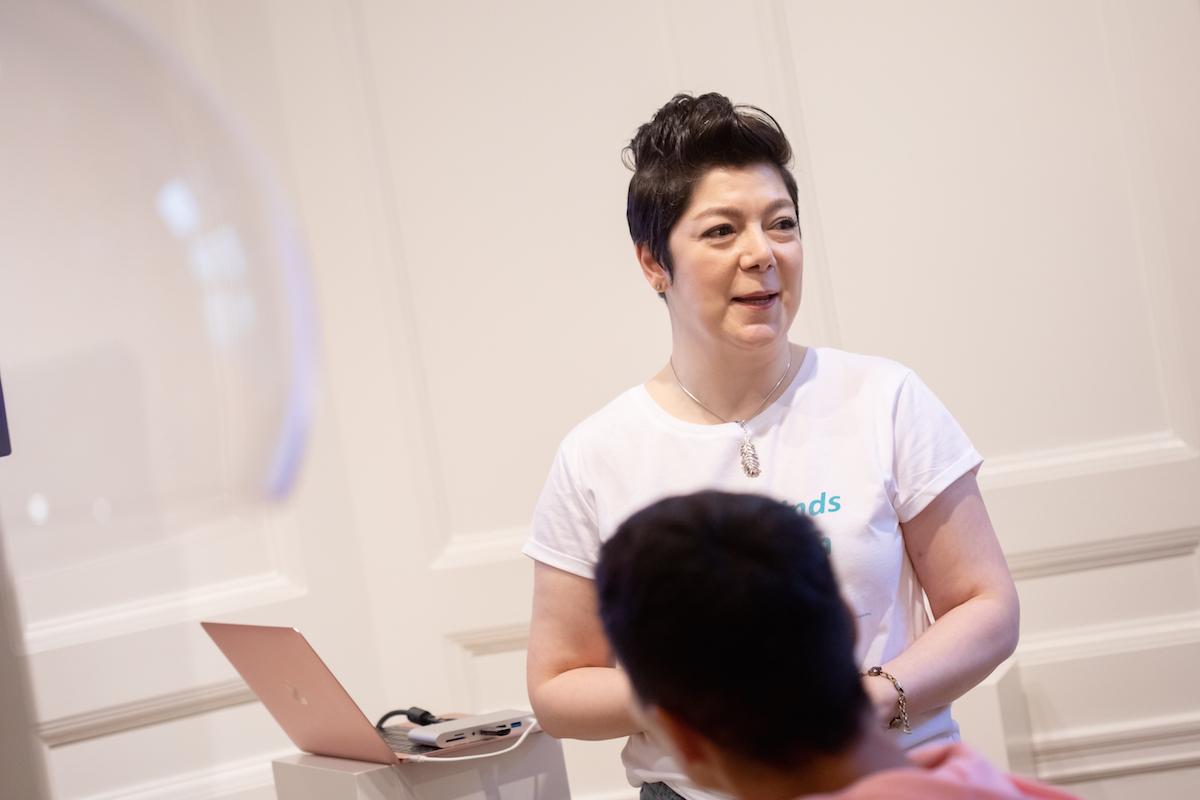 Shidrokh från Cool Derma Company pratar om sina produkter Skinstamina