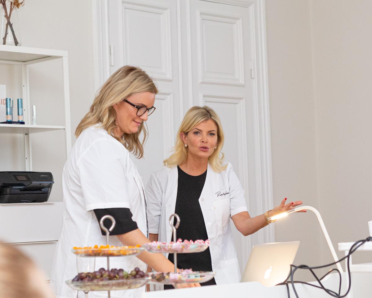 Anna och Helen på New Clinic